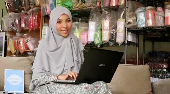 Sekolah Bisnis Online, Razha